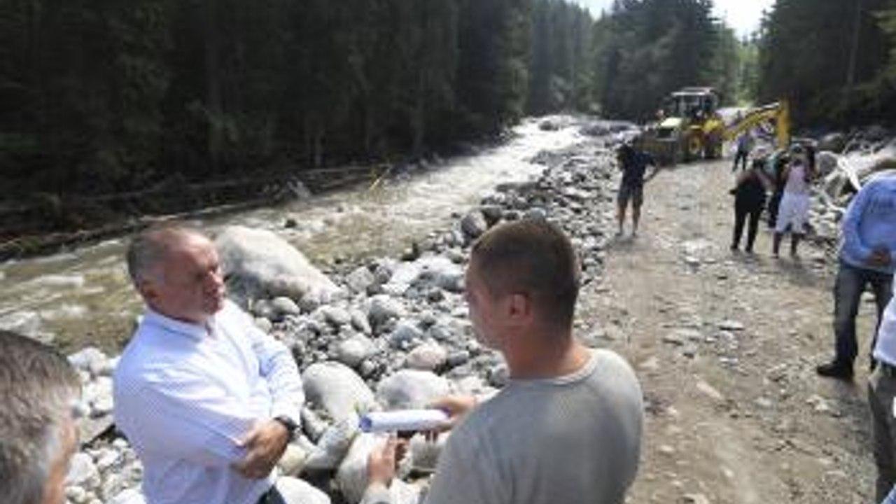 DIÁR: Prezident A. Kiska navštívi povodňami postihnuté oblasti v Tatrách