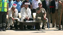 Terör tuzağında hayatını kaybeden asker eşi ve bebeği için Hakkari'de tören