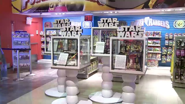 Toys R Us Times Square Star Wars Midnight Opening