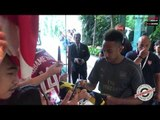 Aubameyang & Lacazette Showing Love To Fans In Singapore!  | AFTV in Singapore