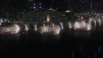 نوافير برج خليفة تتراقص على أنغام صوت الإمارات عيضة المنهالي