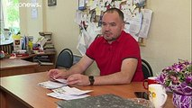 En Russie, un prisonnier a transmis un message par le biais d'un baiser