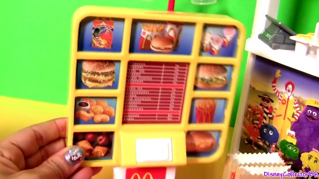 BARBIE WORKS AT the MCDONALDS DRIVE THRU DIY Play Doh McDonalds Costume & Apron