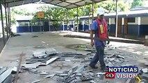 Las intensas lluvias y los vientos huracanados registrados en los últimos días en el Puerto de La Libertad, afectaron la infraestructura de una escuela de la zo