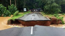 Kerala Rains : Road gets washed away in Malappuram after flash flood | Oneindia News