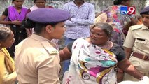 Ahmedabad: Woman opposes AMC's demolition drive, refuses to leave illegal roadside slum