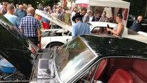 Les voitures anciennes attirent le public