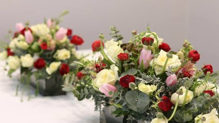 Seasonal Bouquets and Blossoms to Decorate Tables