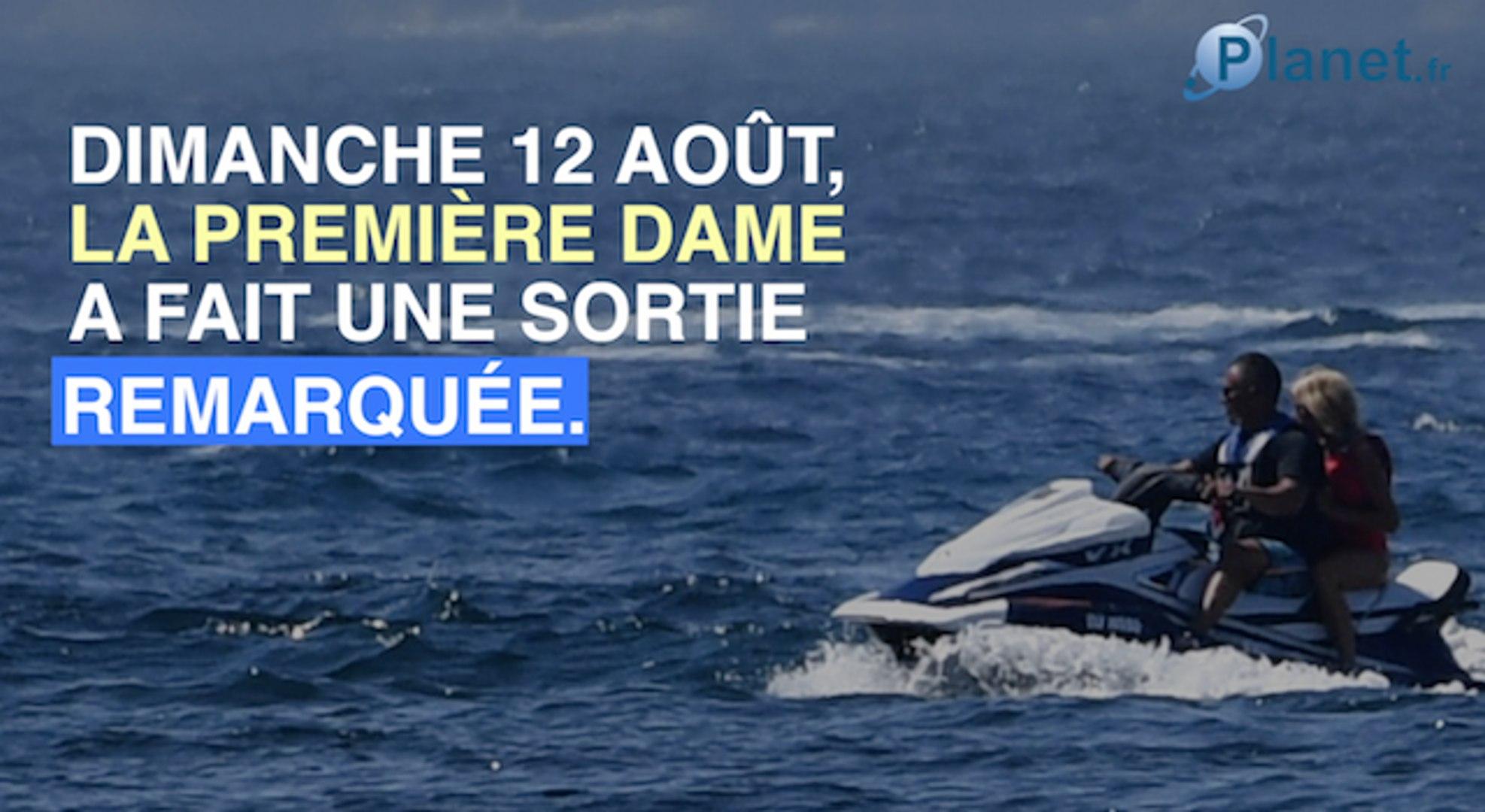 Brigitte Macron : avec qui fait-elle du jet ski à Brégançon ?