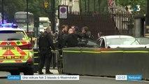 """""""Il a foncé tout droit"""" : à Londres, deux blessés après une attaque à la voiture-bélier contre le Parlement"""
