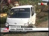 Mobil Pickup Tabrak Minibus, 5 Orang Luka-luka