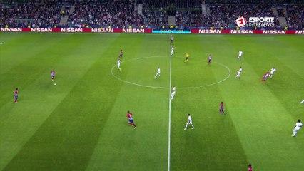Gol do Atleti! Diego Costa recebe belo lançamento, domina e abre o placar!
