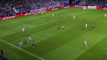 Quase! Após belo lance de Marcelo e Asensio, Benzema perde a chance de empatar o jogo