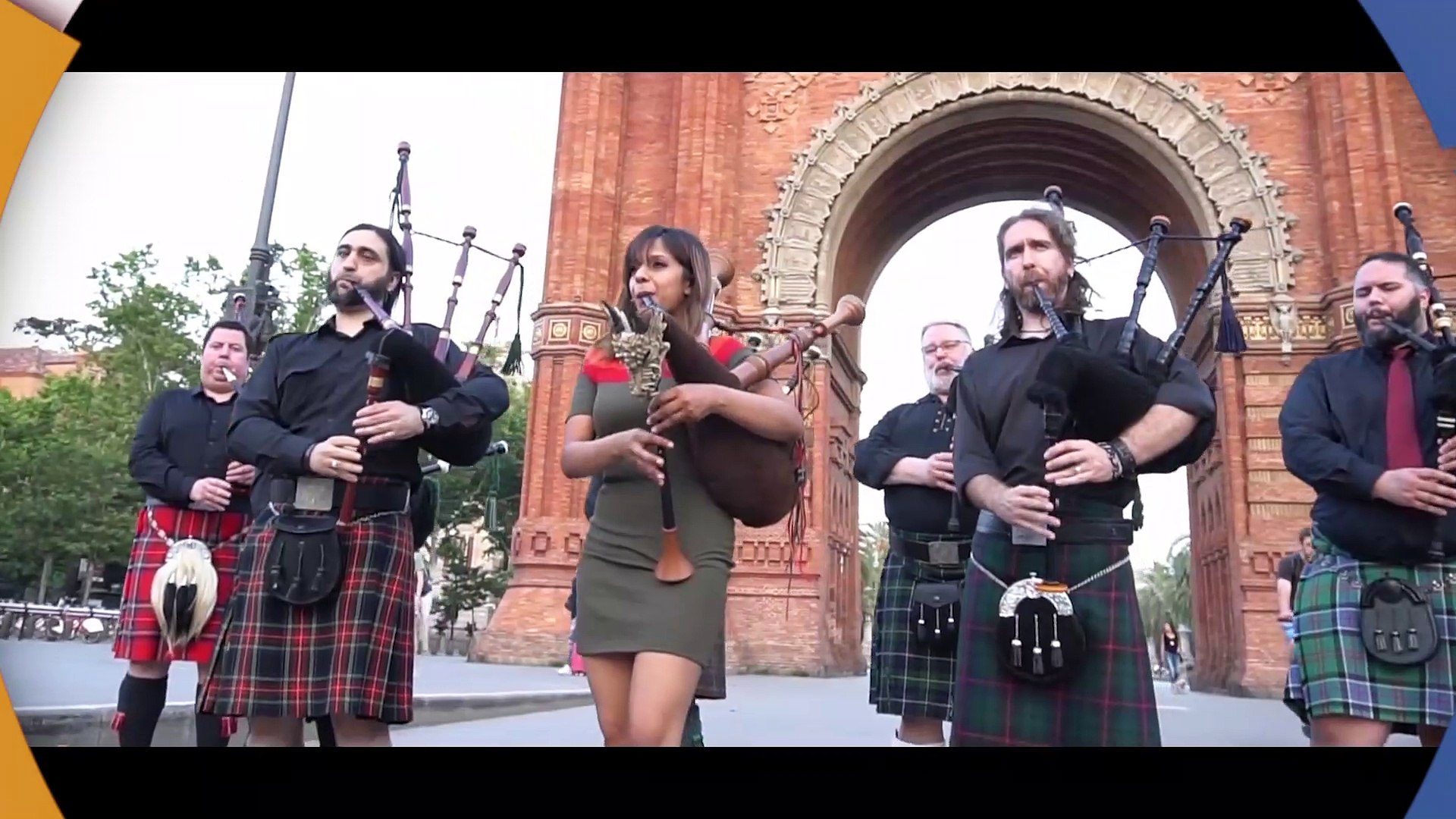 Amazing Grace - Stunning Bagpipes Band