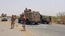 لحظة دخول الجيش الوطني إلى مركز حيران بمحافظة حجة، واستقبال المواطنين لهم بعد طرد الحوثيين، علما بأن قوات الجيش تمكنت أيضا من السيطرة على الطريق الدولي الرابط ب