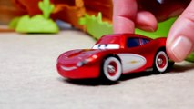 Spielzeugautos lernen Farben mit Lightning McQueen!