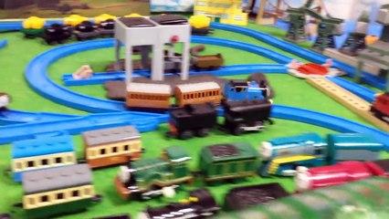 Thomas and friends Thomas saves the day トーマス プラレール ガチャガチャ トーマスきゅうばをすくう