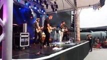 Heute die letzten Konzerte von Vaduz Soundz. Das Wetter hält! Tobias Carshey bringt das Publikum in Stimmung!