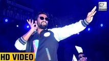 WATCH! Sanju Star Vicky Kaushal DANCES His Heart Out At A College Event