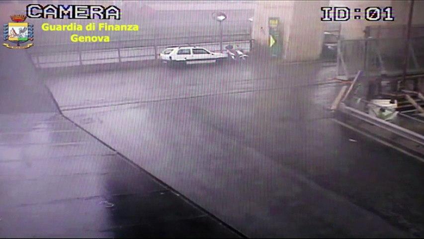 Images de vidéosurveillance de l'effondrement du pont de Gênes