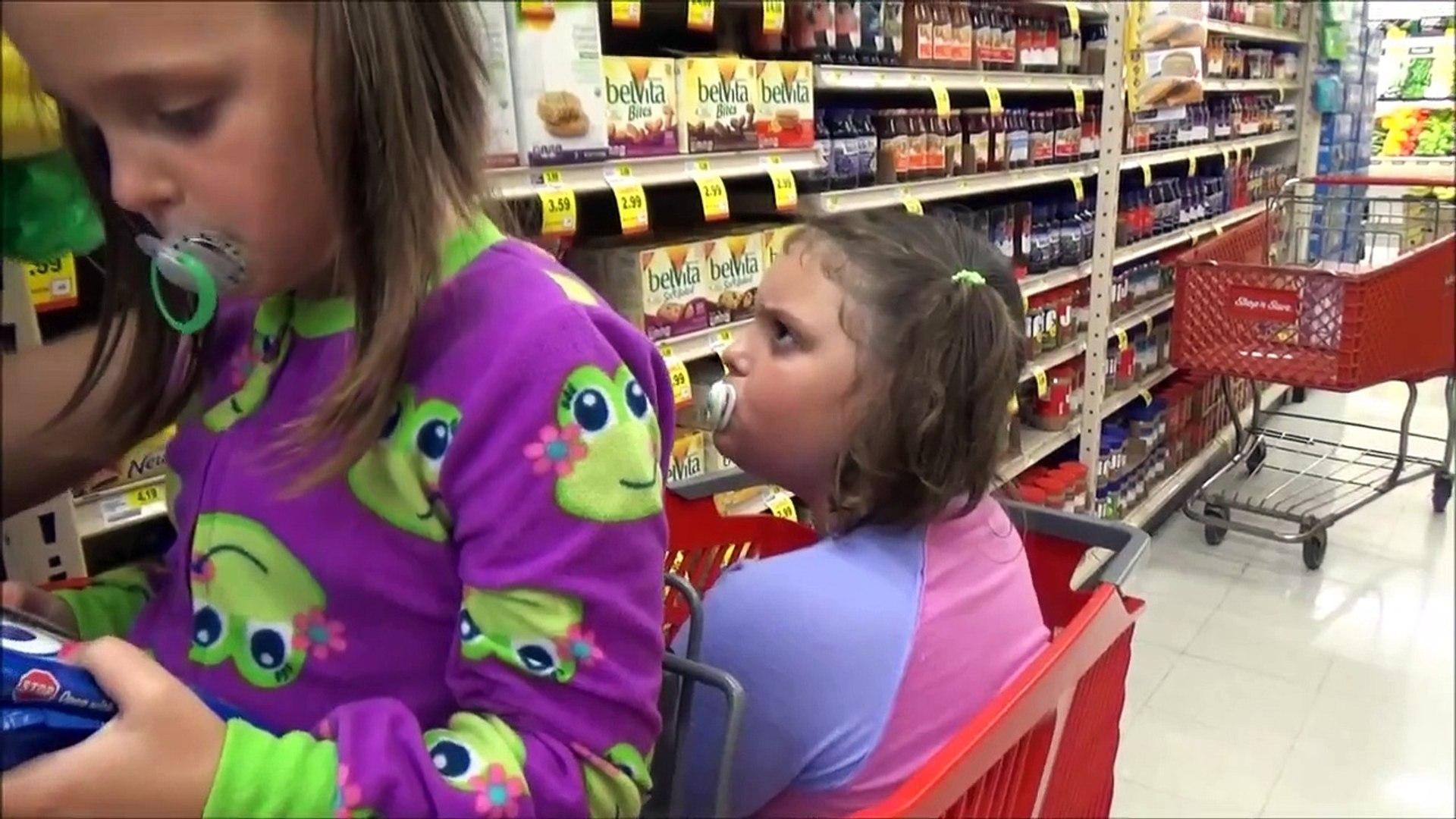 Bad Baby Annabelle Copies Victoria & Freak Daddy Pranks Toy Freaks Family Hidden Egg