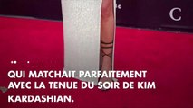 PHOTOS. Oups ! Kim Kardashian dévoile malencontreusement son string... jaune fluo !