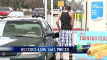 Drop in gas prices helps holiday travelers