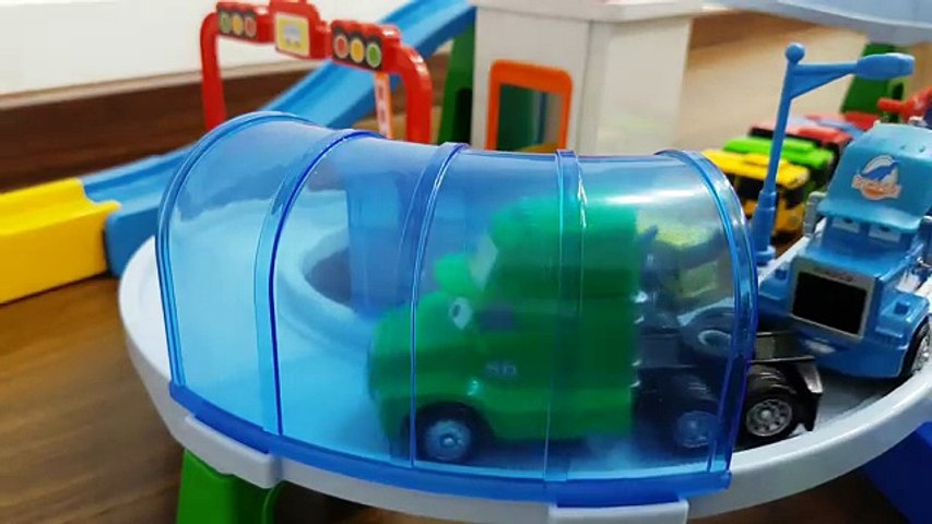 Disney Pixar Mack Truck Racing and Disney Pixar Cars Tracks Playset with Tayo The little b