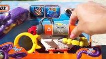 Matchbox Mission. Bathyscaphe catches an octopus We play in pool with toys. We open a new