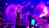 Η Μελίνα Ασλανίδου σε συναυλία στο Καρπενήσι