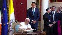 """El Papa reconoce el fracaso de la Iglesia ante los """"crímenes"""" de abusos a menores"""