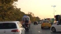 Şişli'de Ambulans ile Hafif Ticari Araç Çarpıştı: 2 Yaralı