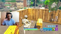SWITCHING TEAMS SO NOOB CAN'T KILL ME IN 1V1 PLAYGROUND MODE ON FORTNITE! (Funny Fortnite Trolling)