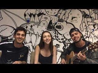 Fabio Brazza canta Já Pensou com fãs Rodolfo Ribeiro e Larissa Santto