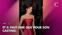 PHOTOS. Dakota Johnson splendide dans une robe rouge Dior couture pour la Mostra de Venise