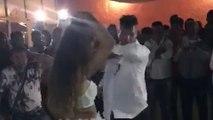Un homme danse avec une femme sexy (Sicile)