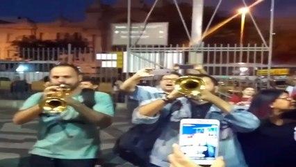 Lulaço com o trompetista na Central do Brasil no Rio