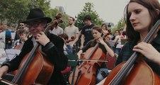 Place de la République, printemps 2016 Bande-annonce VF (2018) Documentaire