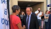 Arrivée de François Hollande dans la librairie