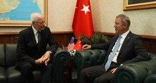 Son Dakika! Milli Savunma Bakanı Hulusi Akar, ABD'nin Suriye Özel Temsilcisi James Jeffrey'i Kabul Etti