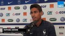 """Raphaël Varane : """"Qu'on me cite parmi les candidats pour le Ballon d'or, c'est déjà extraordinaire !"""""""
