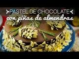 Pastel de Chocolate con Piñas de Almendras