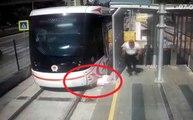 Tramvayın Yayaya Çarpma Anı Kamerada