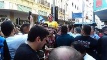 Des Brésiliens réagissent a l'attentat contre Bolsonaro