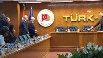CHP Genel Başkanı Kılıçdaroğlu: 'Asgari ücretli vergi yükü altında ezilmektedir. O açıdan iktidar olanların işçinin sesini duymaları gerekir'