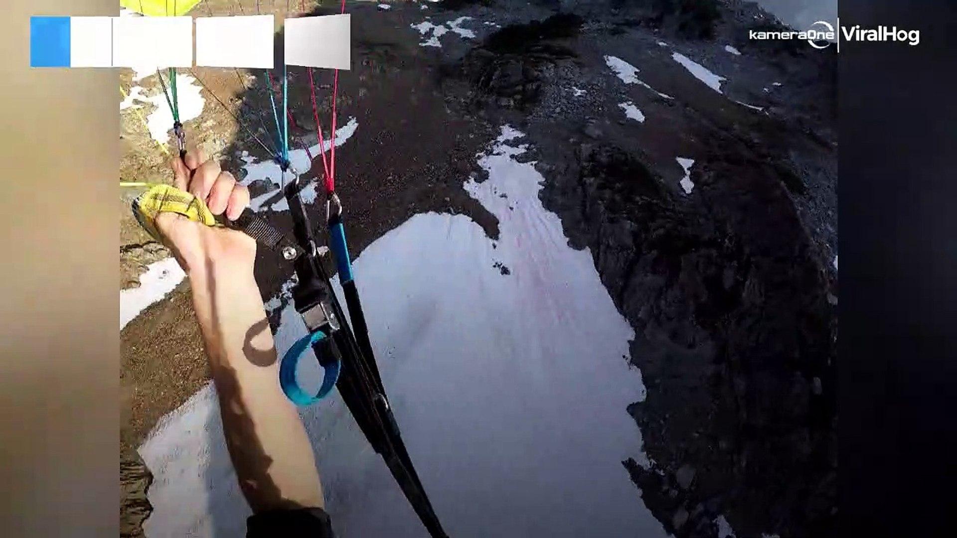 Hombre baja una montaña a una velocidad impresionante