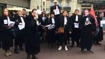 Dijon : les avocats prolongent la grève et tractent sur le marché