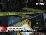 Meluncur Dari Turunan, Forklift Tabrak Warung di Cilincing