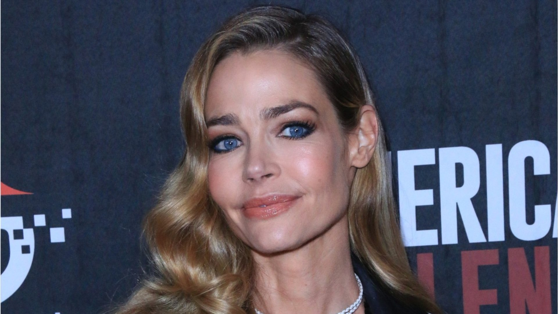 Denise Richards Ties The Knot