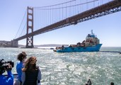 Ocean Clean-Up System Aims to Tackle Great Pacific Garbage Patch